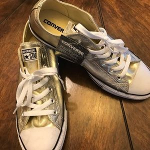 Gold converse size 9 👟